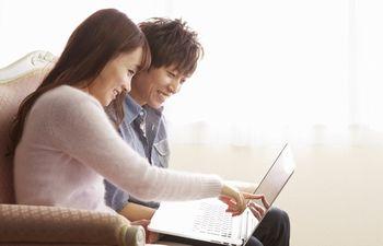 ブログは、誰でも簡単に作れて、手軽に更新することができるメリットがある