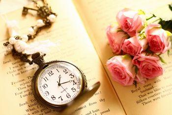 情報は、人生で最も大切なものの1つである、時間を増やしてあげることができる。情報を売る仕事は、幸せな時間を提供する仕事である。