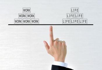 副業でアルバイトをするなら、本業とのバランスを意識する必要がある。