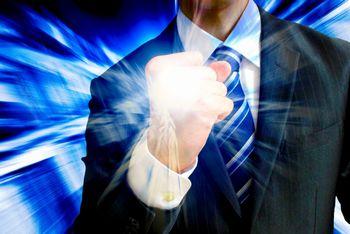 実際に結果を出している人の商材を見ると、「自分もこうすれば稼げる」というイメージができる。そして、確信力になる。