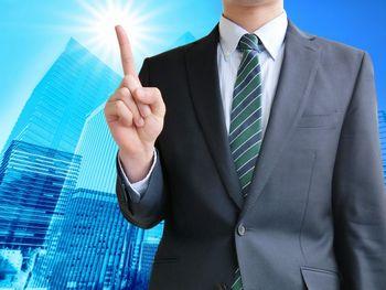 ネット副業でお金を稼いで、そのお金を投資に回して、お金でお金を増やしていくことが、最も早くお金が増える方法