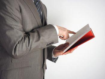 結果を出すためには、まず一歩を踏み出すことが重要。本を読んだり、商材を買って読むというのは、まず一歩になる。